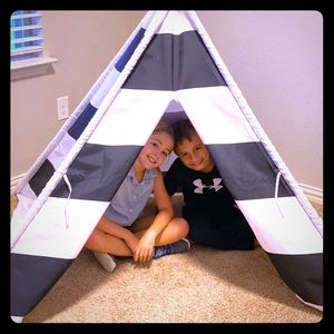 Sohl furniture - Life Concepts Kids TeePee